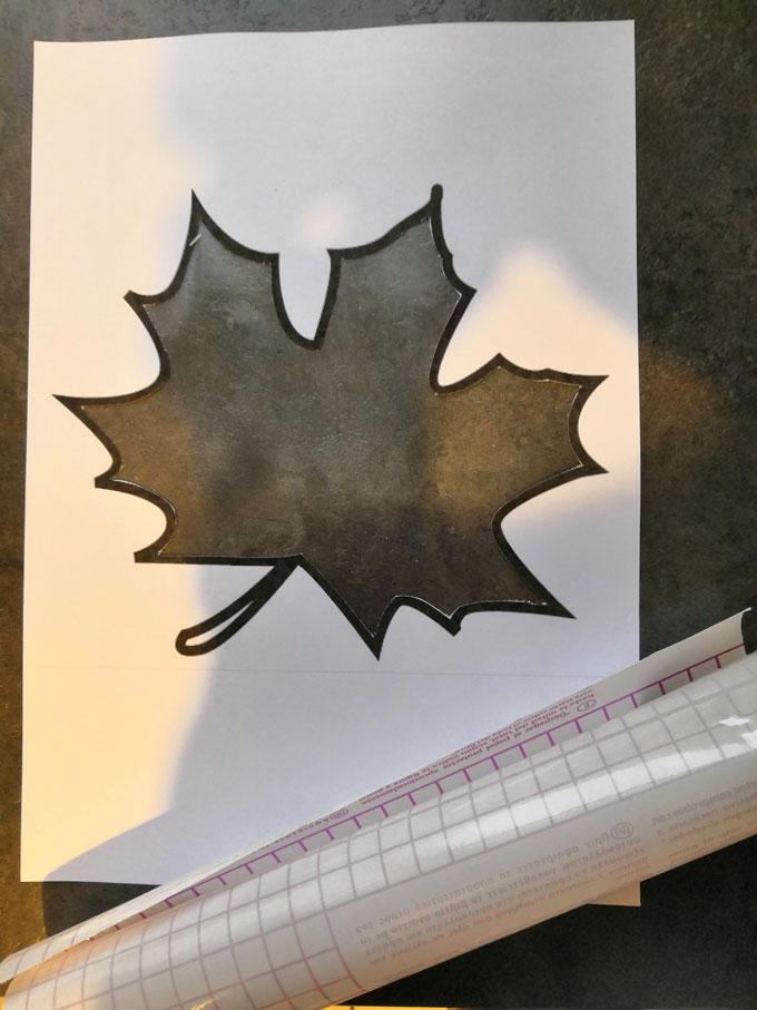 Vitrail-dautomne-ou-attrape-soleil-de-feuilles-mortes-1
