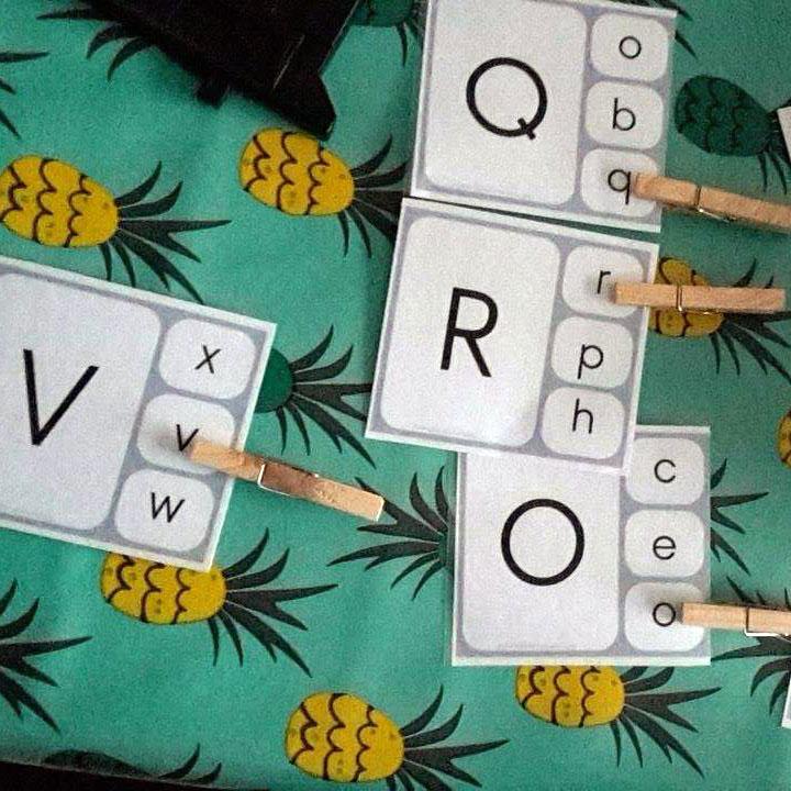 Apprendre les lettres de l 39 alphabet en jouant entre lettres majuscules et minuscules 1 diy - Lettre de l alphabet en majuscule a imprimer ...