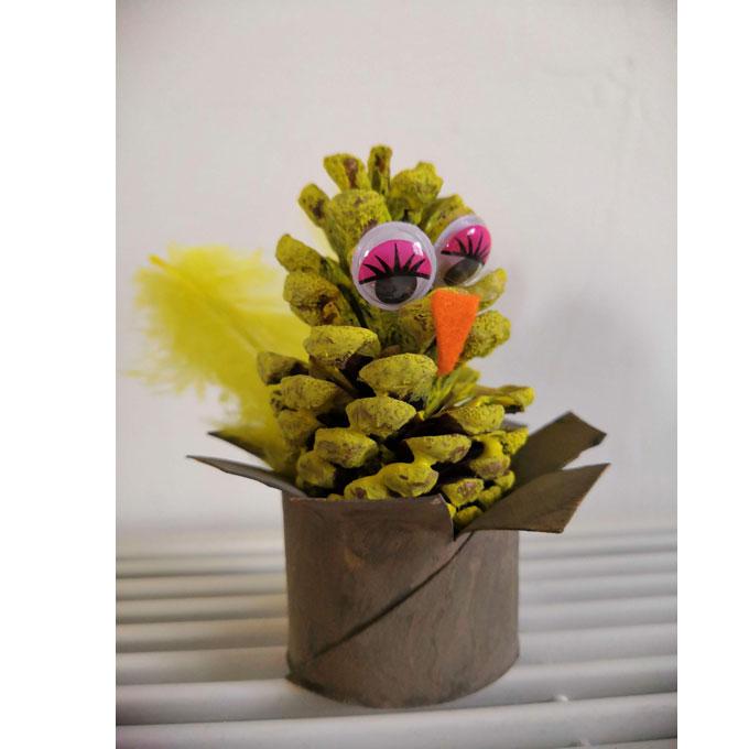 oiseau-pomme-de-pin-1
